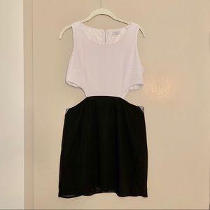 ✨NWOT TOBI White & Black Dress✨🖤